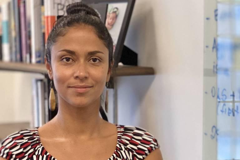 Jaqueline Oliveira, 37, doutorado na Universidade Yale e professora em Rhodes College