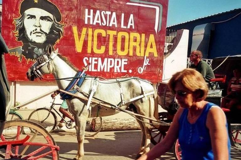 A frase mais conhecida de Che Guevara aparece em canções, murais, discursos, poemas, faixas, edifícios, obras de arte, camisetas e até tatuagens