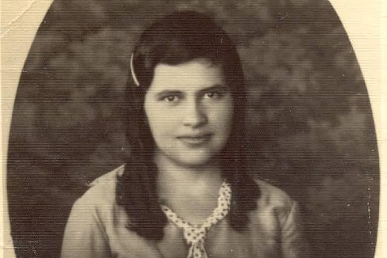 Maria Rita de Sousa Brito Lopes Pontes, aos 18 anos, mais conhecida como Irmã Dulce