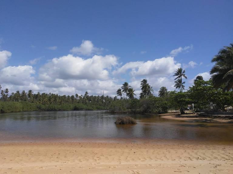 Praia do Forte, na Bahia, é opção para quem tem filhos pequenos
