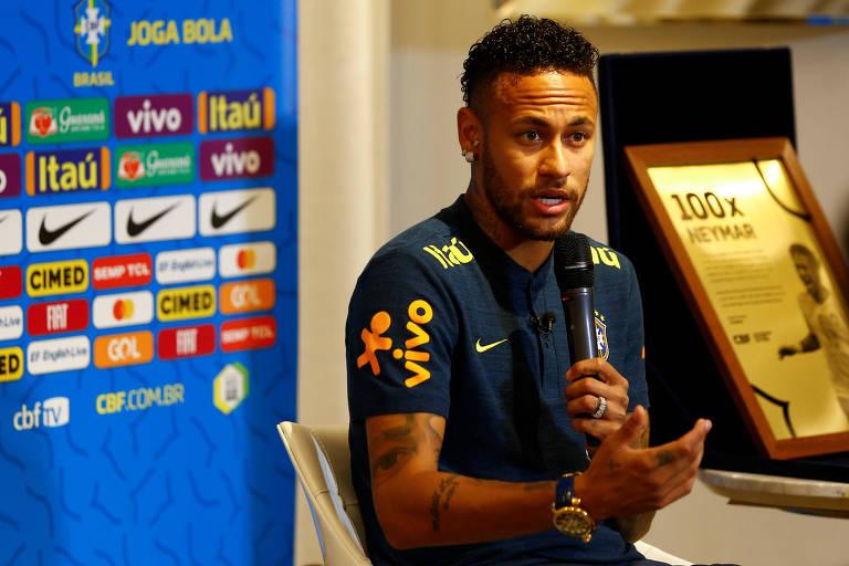 Neymar durante entrevista coletiva antes de Brasil e Senegal