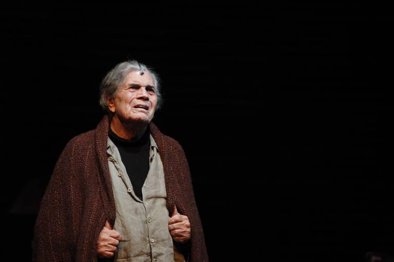 Veja fotos de Tarcísio Meira na peça 'O Camareiro'