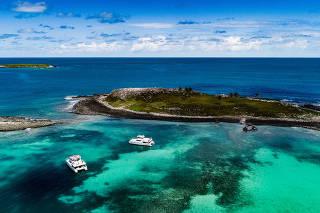 Vista aérea da área de proteção ambiental de Abrolhos na costa do sul da Bahia