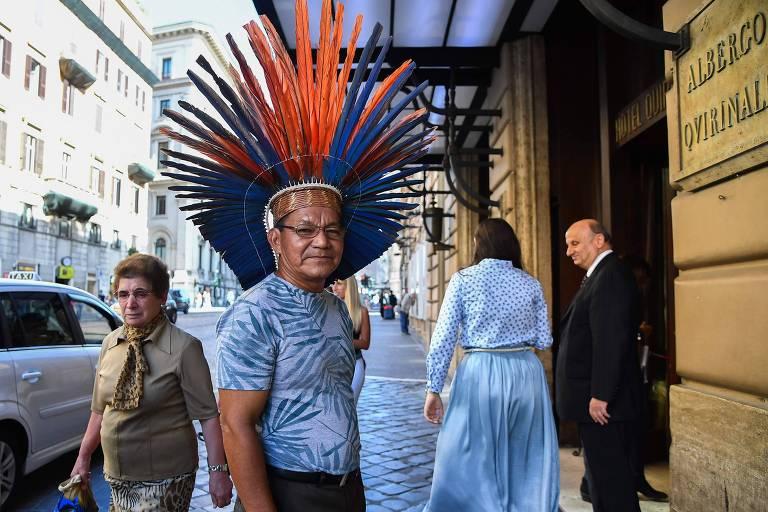 Jonas Marcolino, da etnia macuxi, um porta-voz dos indígenas de direita, também participa de conferência anti-Sínodo da Amazônia em hotel de Roma