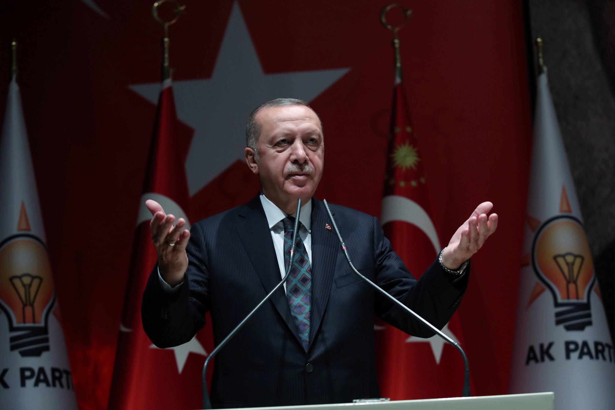 15707073345d9f17861a75d 1570707334 3x2 rt   urandir   MUNDO   Erdogan diz que 109 foram mortos em ação na Síria e ameaça liberar refugiados para a Europa
