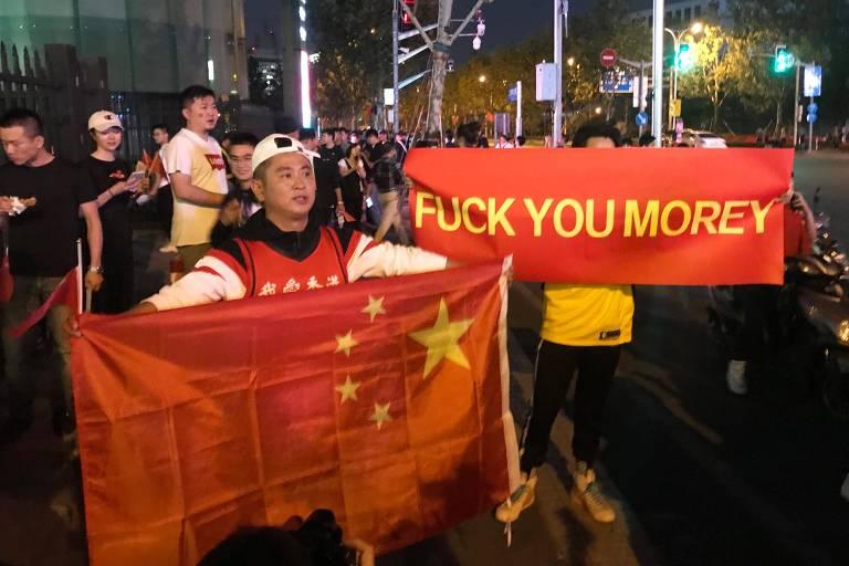 Protesto de chineses contra Daryl Morey em Xangai