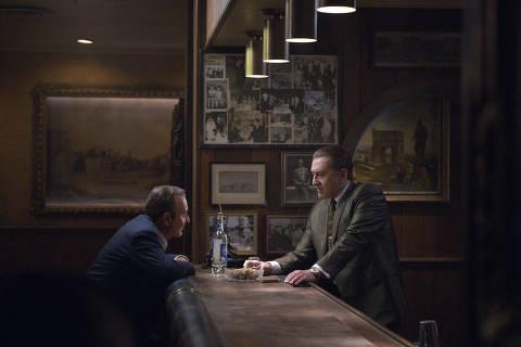 Joe Pesci (à esq.) é Russell Bufalino, que leva Frank Sheeran, vivido por Robert De Niro, a trabalhar com a máfia de Pensilvânia