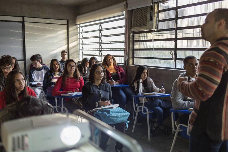 """""""Feliz dia dos professores com muito impacto socioambiental"""", deseja o professor, coordenador e palestrante Marcus Nakagawa neste 15 de outubro"""