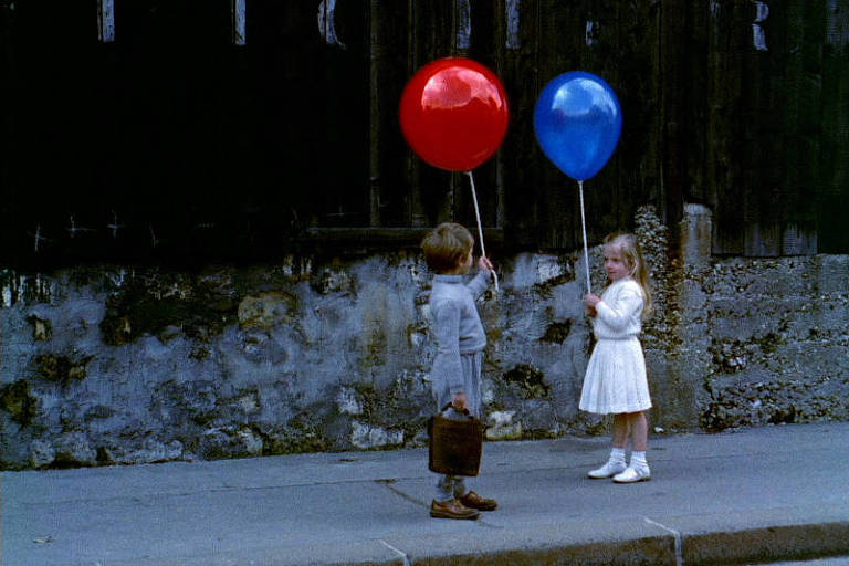 """Cena do filme """"O Balão Vermelho"""" (1956), de Albert Lamorisse"""