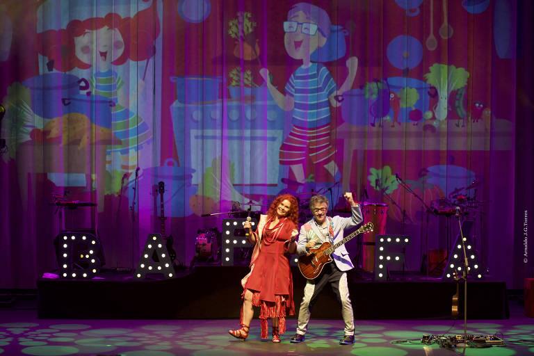 Paulo Tatit e Sandra Peres, no show Bafafá, do Palavra Cantada