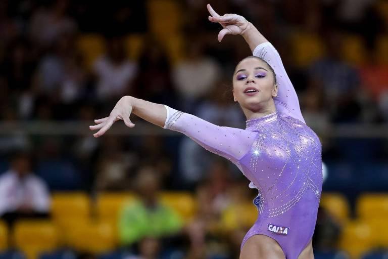 Flávia Saraiva é a destaque brasileira no Mundial de Stuttgart e ficou em sétimo na disputa do individual geral