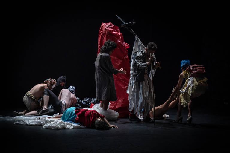 Veja imagens do espetáculo 'Fúria'