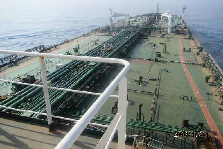 Uma imagem da Companhia Nacional Iraniana de Petróleo sem registro de data mostra o navio iraniano Sabiti no mar Vermelho
