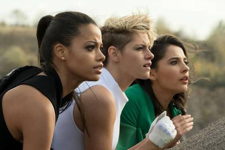 "Kristen Stewart, Naomi Scott e Ella Balinska em cena de ""As Panteras"""