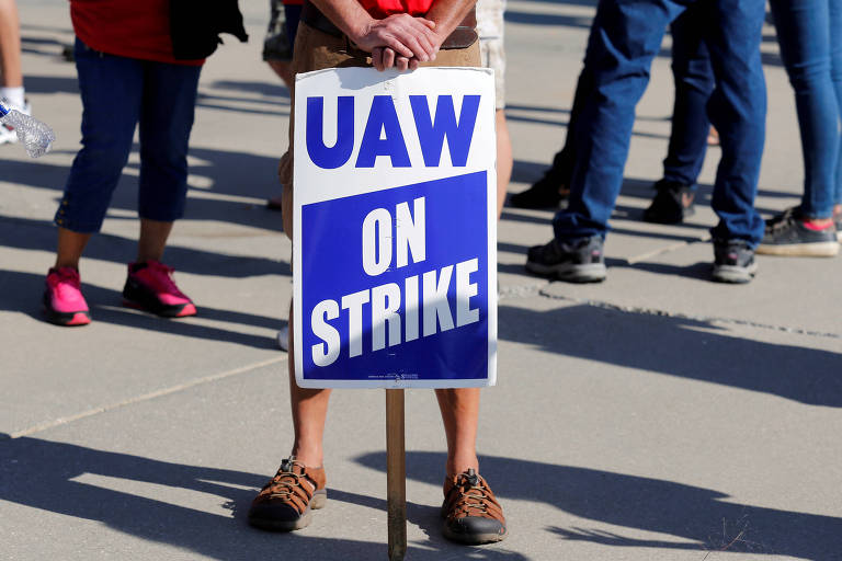 Sindicato de funcionários da GM faz greve em Lordstown, em Ohio