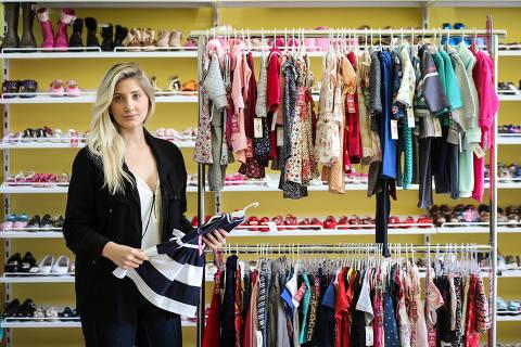 SAO PAULO/ SP, BRASIL, 10-10-2019: Giovanna Domiciano, fundadora da Arena Baby, em uma das lojas de sua rede de franquias que vende produtos novos, seminovos e usados para bebês.   (Foto: Zanone Fraissat/Folhapress, ESPECIAIS)***EXCLUSIVO****