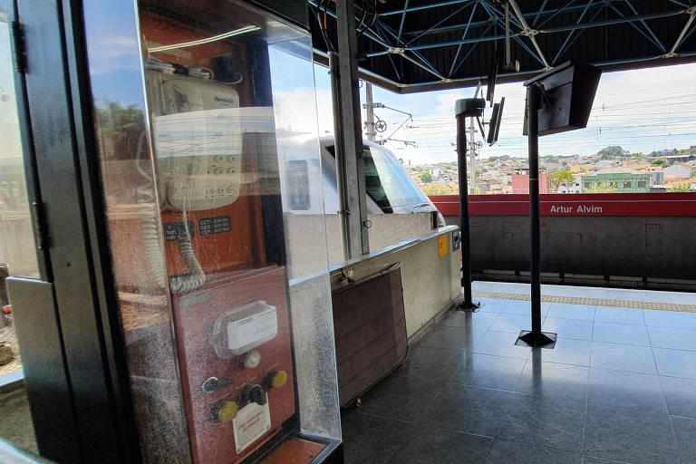 Novo dispositivo de segurança no metrô falha durante testes