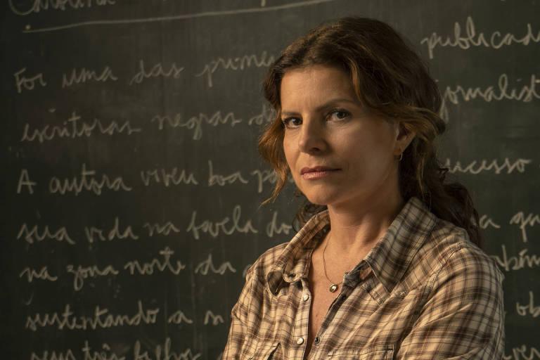 """Lúcia ( Debora Bloch ), da série """"Segunda Chamada"""""""