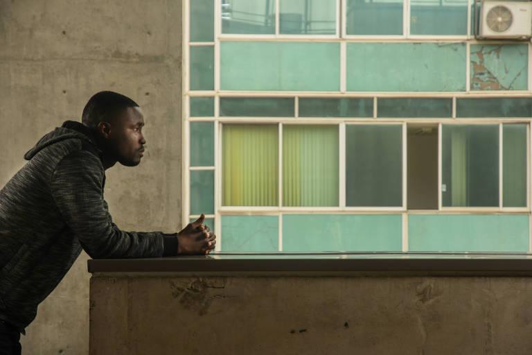 Imigrante da Guiné-Bissau e responsável pela Copa dos Refugiados, Braima Mané, 34 anos, na ONG África do Coração, no centro de São Paulo