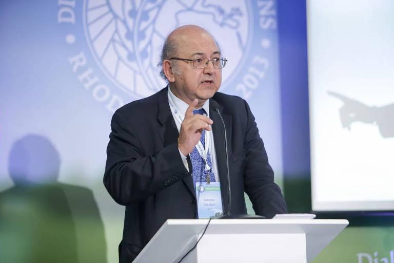 Lorenzo Carrasco em evento de 2015