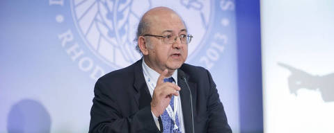 2015 Lorenzo Carrasco: Latin America in the Time of Pope Francis and of the BRICS. (Foto: Reproducao /Youtube)