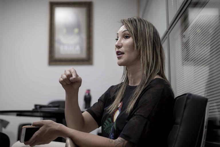 Tifanny Abreu, primeira jogadora trans a atuar na Superliga feminina de vôlei, durante entrevista à Folha