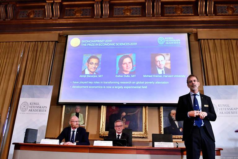 O vencedores do Nobel de Economia 2019 Abhijit Banerjee, Esther Duflo e Michael Kremer