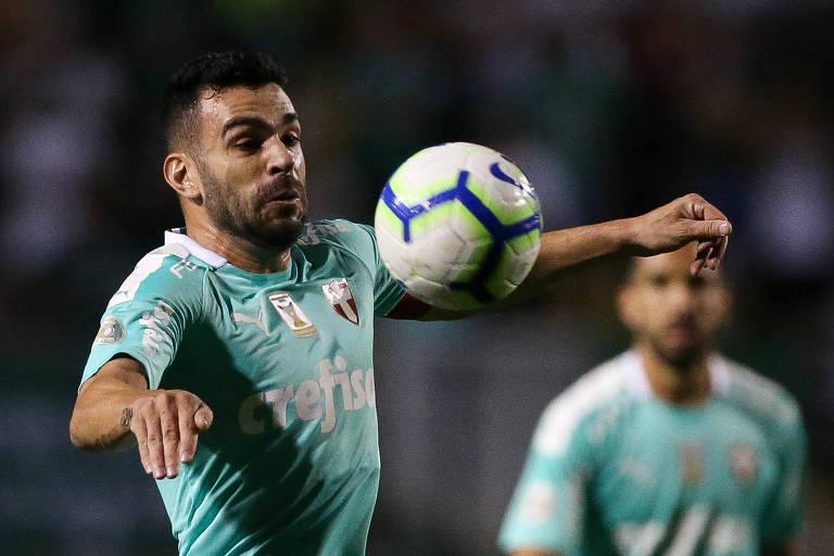 O Palmeiras, do volante Bruno Henrique, tem a maior barbada desta rodada do Brasileirão, enfrentando a lanterna Chapecoense no Allianz Parque