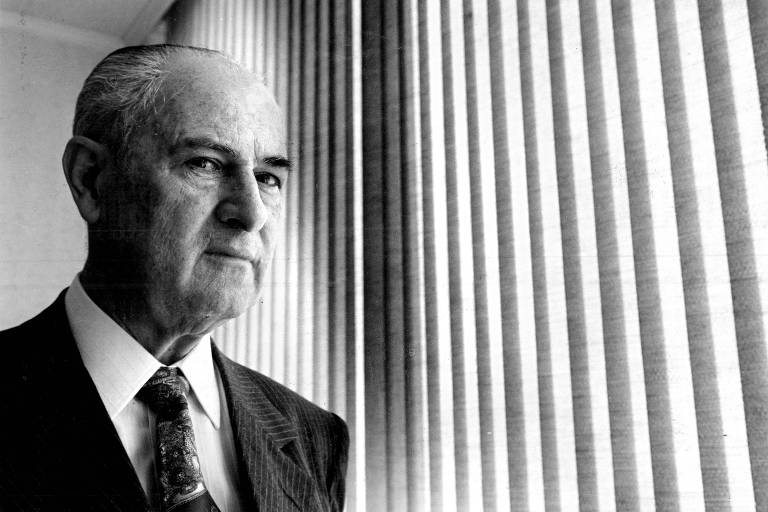 Morre o banqueiro Lázaro de Mello Brandão, 93