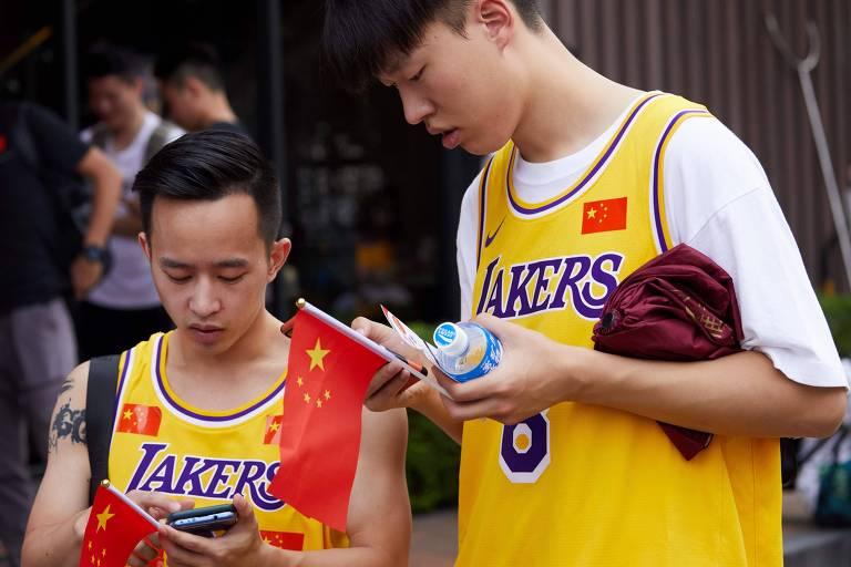 A NBA atua na China desde 1992, quando abriu na região seu primeiro escritório, justamente em Hong Kong. Em 2008, a entidade fundou a NBA China, braço responsável pela gestão dos negócios da liga no país. De acordo com a Forbes, a empresa vale pouco mais de 4 bilhões de dólares (cerca de R$ 16,4 bilhões).