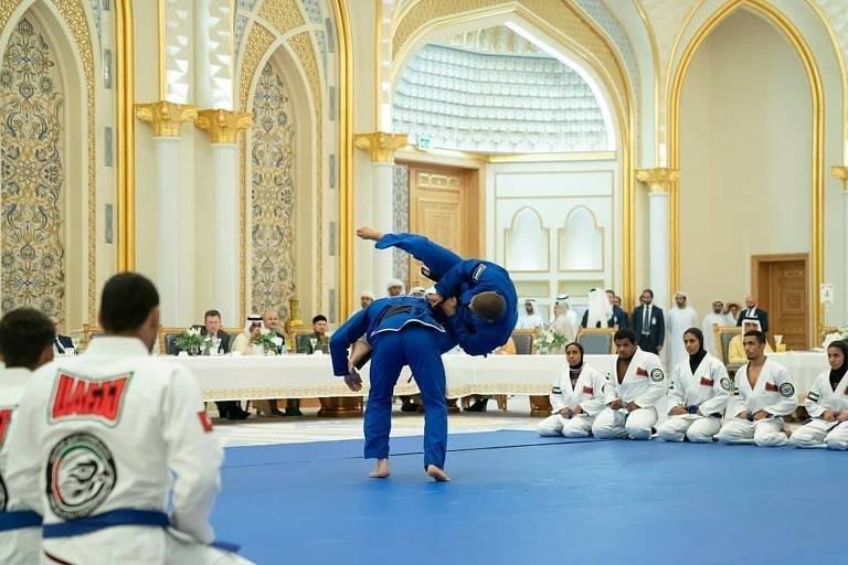 Jiu-jítsu brasileiro conquistou príncipe e virou febre em Abu Dhabi