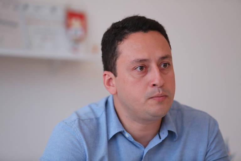 Ítalo Rodrigues, executivo de futebol do Náutico, em sala do centro de inteligência do clube