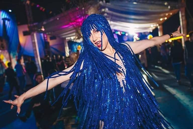 A drag queen Loulou Callas se apresenta na Rebobinights