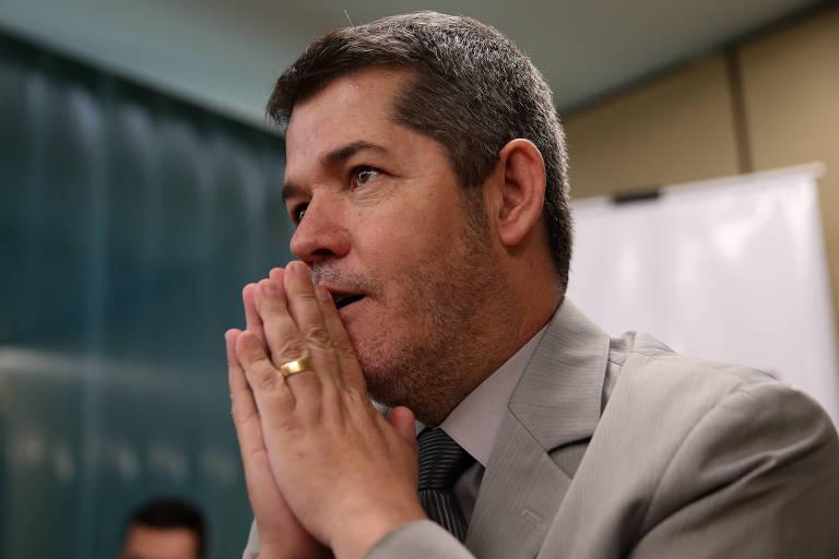 O deputado Delegado Waldir (PSL-GO) durante coletiva de imprensa para falar sobre a crise no PSL e a disputa pela liderança do partido na Câmara, entre ele e o deputado Eduardo Bolsonaro (PSL-SP)