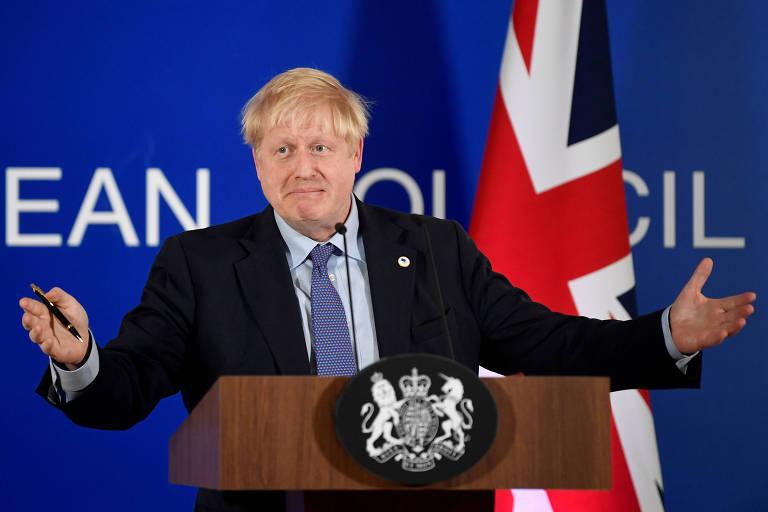 O primeiro-ministro Boris Johnson durante entrevista coletiva em Bruxelas