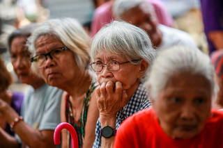 PHILIPPINES-MANILA-MASS IMMUNIZATION-ELDERLY PEOPLE