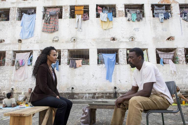 Naruna Costa em cena de 'Irmandade', série da Netflix com o O2