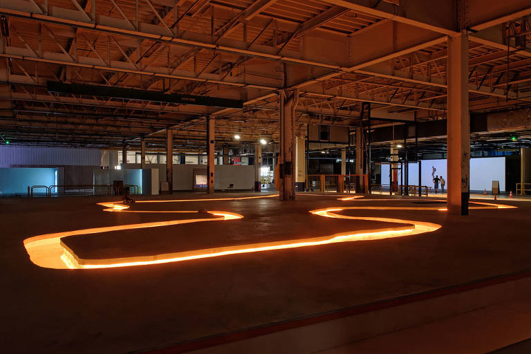 Veja fotos da Bienal de Lyon