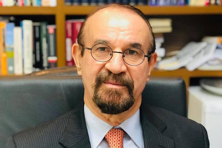 Cezar Roberto Bitencourt Advogado criminalista e professor e doutor em direito penal