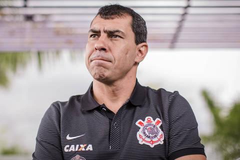 SAO PAULO, SP, BRASIL, 12-01-2017: Fábio Carille, 43 anos, treinador do Sport Club Corinthians Paulista, durante entrevista no CT do time. (Foto: Avener Prado/Folhapress, ESPORTE) Código do Fotógrafo: 20516 ***EXCLUSIVO FOLHA*** ORG XMIT: AGEN1701121515579391 ***DIREITOS RESERVADOS. NÃO PUBLICAR SEM AUTORIZAÇÃO DO DETENTOR DOS DIREITOS AUTORAIS E DE IMAGEM***