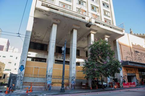 SAO PAULO, SP, BRASIL, 28-07-2017, 15h00: Predio do cine Marrocos, que fica no centro de Sao Paulo. (Foto: Eduardo Anizelli/Folhapress, COTIDIANO) ***EXCLUSIVO FOLHA***