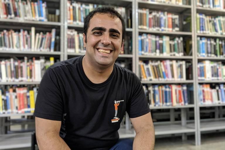 Vinicius Andrade, que organiza voluntários para ajudar a treinar alunos para redações do Enem