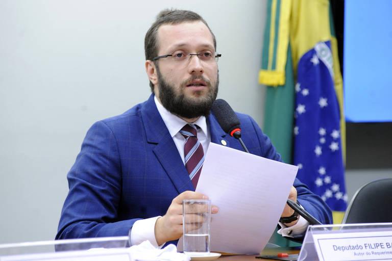 O deputado Filipe Barros (PSL-PR) durante audiência pública na Comissão de Direitos Humanos e Minorias da Câmara