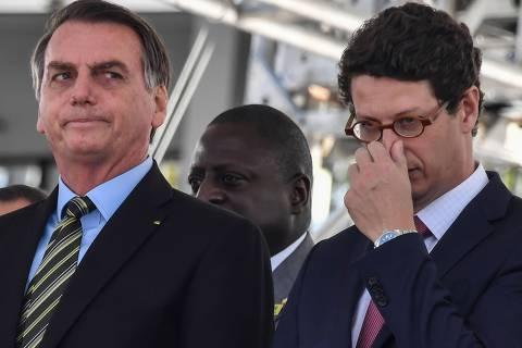 Governo Bolsonaro extinguiu comitês do plano de ação de incidentes com óleo