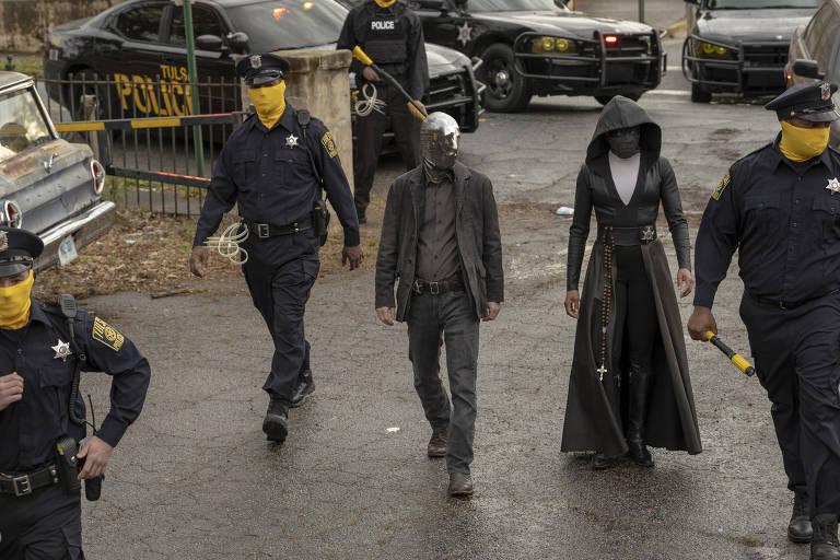 Veja cenas da série 'Watchmen'
