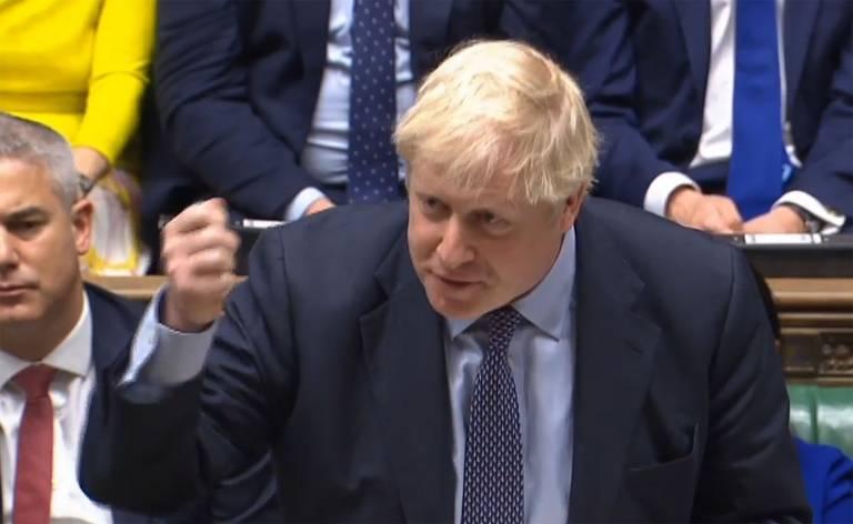 Primeiro-ministro britânico Boris Johnson respondendo aos comentários sobre sua declaração sobre um acordo do Brexit na Câmara dos Comuns em Londres