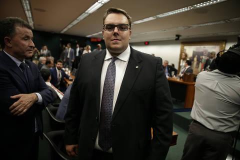 Crise com PSL ameaça relação de Bolsonaro com comissão-chave na Câmara