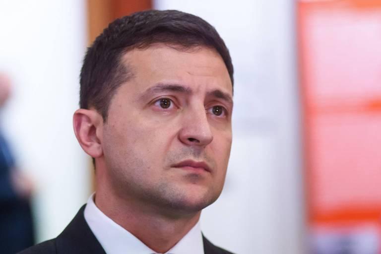 Presidente da Ucrânia, Volodimir Zelenski, visita museu na Letônia