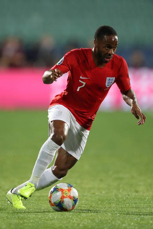 Raheem Sterling durante a partida entre Inglaterra e Bulgária