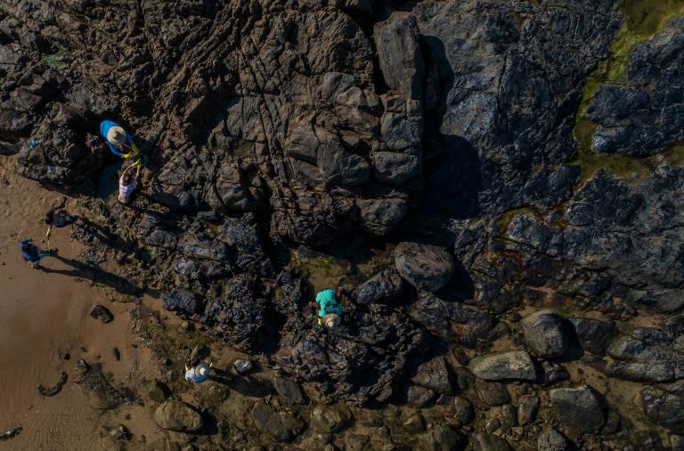 Manchas de óleo no litoral baiano
